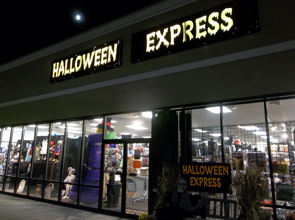 Halloween Express Returns to the Springhurst Center for Halloween ...